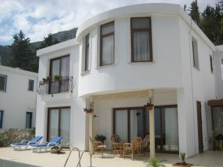 Nice 4 bedroom Villa in Bellapais - Bellapais vacation rentals