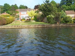 Kareela - Riverside Holiday Rental - Wroxham vacation rentals
