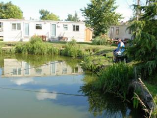 Convenient 2 bedroom Caravan/mobile home in Gainsborough - Gainsborough vacation rentals