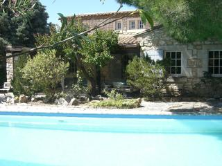 Nice House with Internet Access and Television - Molleges vacation rentals