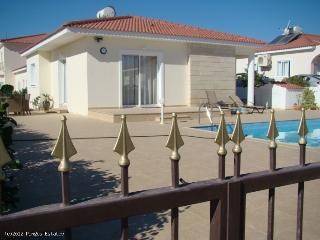2 bedroom Bungalow with A/C in Ayia Napa - Ayia Napa vacation rentals
