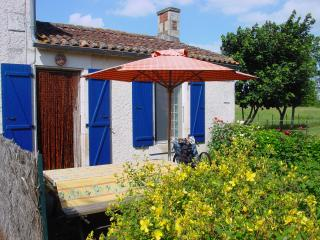 Nice 1 bedroom Oulmes Gite with Internet Access - Oulmes vacation rentals