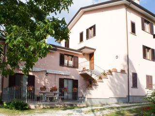 Cozy 3 bedroom House in Gualdo Tadino - Gualdo Tadino vacation rentals