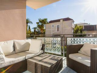 Modern 3 bedrooms 401 - Cannes vacation rentals