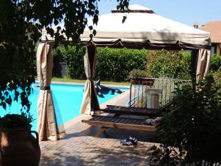 villaumbertonobile - Bracciano vacation rentals