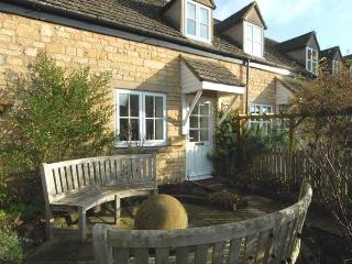 Beautiful Cottage with Television and DVD Player - Chipping Campden vacation rentals
