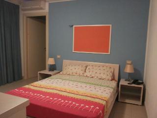 appartamento  giardinocon accesso mare 100 metr - Tirrenia vacation rentals