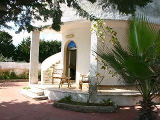 Villa con giardino vicino al mare - Manduria vacation rentals