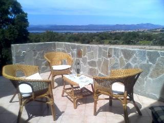 Monolocale con giardino e panoramica vista laguna - Sant Antioco vacation rentals