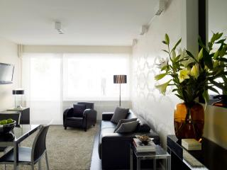 STYLED & SERVICED JUNIOR STUDIO IN LAUSANNE - Lausanne vacation rentals
