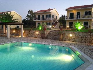 Liakas Village Apartment 3- GROUND FLOOR - Spartia vacation rentals