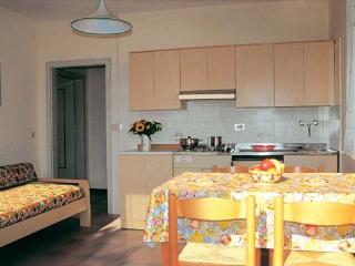 Charming Lignano Sabbiadoro vacation Condo with Washing Machine - Lignano Sabbiadoro vacation rentals