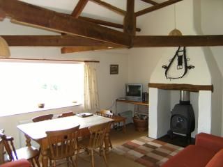 Perfect 3 bedroom Shirwell Cottage with Internet Access - Shirwell vacation rentals