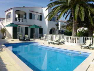 Spacious 4 bedroom Villa in Sant  Lluis es with Internet Access - Sant  Lluis es vacation rentals