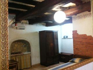 Romantic 1 bedroom Fiuggi Condo with Internet Access - Fiuggi vacation rentals