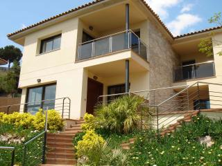 New villa with private pool & seaview - Santa Susana vacation rentals