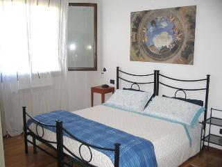 Nice Bed and Breakfast with Internet Access and A/C - Cazzago di Pianiga vacation rentals