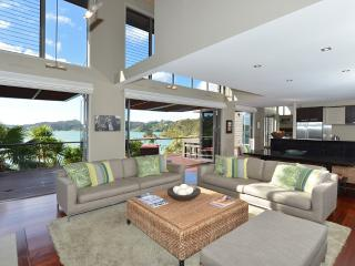 4 bedroom House with Internet Access in Russell - Russell vacation rentals