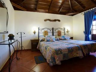 2 bedroom Cottage with Internet Access in Erjos - Erjos vacation rentals