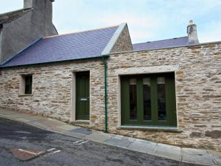 2 bedroom Cottage with Internet Access in Stromness - Stromness vacation rentals