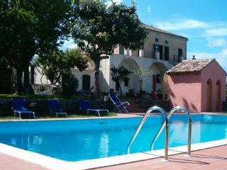 4 bedroom Villa in Riposto, Catania Area, Sicily, Italy : ref 2230255 - Riposto vacation rentals