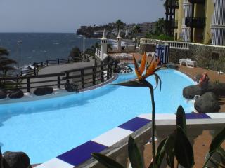 Luxury Mini Villa beach side Air/Con good price. - Maspalomas vacation rentals