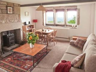KNOWLE LODGE, all ground floor, woodburning stove, feature beams, WiFi, patio with furniture, Ref 30965 - Cragg Vale vacation rentals