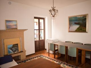 Cozy 3 bedroom House in Belgirate with Short Breaks Allowed - Belgirate vacation rentals
