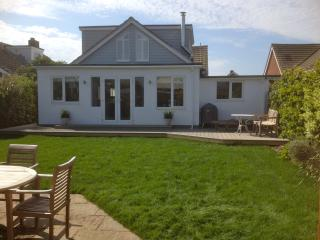 Spacious 4 bedroom House in West Wittering with Deck - West Wittering vacation rentals