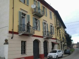 IXX century Home in Monferrato - Rocchetta Tanaro vacation rentals