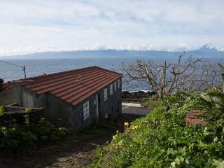 Casa do Zé - Apartamento Verde - Velas vacation rentals