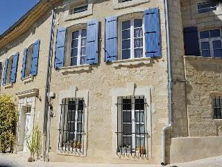 Nice Gite with Internet Access and Central Heating - Lirac vacation rentals