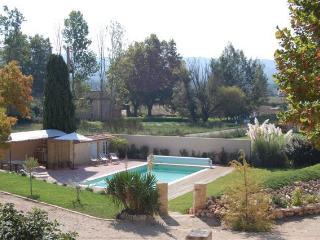 LA GRANDE TERRE - Bonnieux vacation rentals