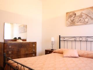 Bright 3 bedroom Apartment in San Quirico di Sorano with Satellite Or Cable TV - San Quirico di Sorano vacation rentals