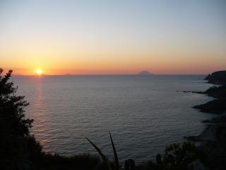 villa a strapiombo sul mare di Capo Vaticano - Vibo Valentia vacation rentals