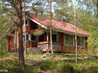 Comfortable Cottage with Internet Access and Central Heating - Isnas vacation rentals