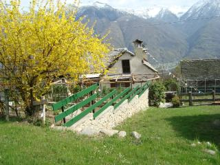 Cozy 1 bedroom Domodossola Bed and Breakfast with Internet Access - Domodossola vacation rentals