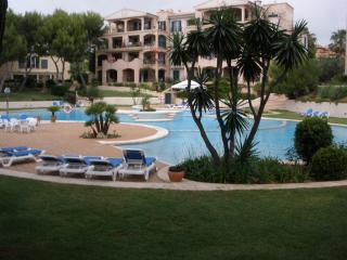 A14. Quiet, nice flat with a huge pool and gardens - Santa Ponsa vacation rentals