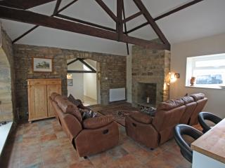 Charming 3 bedroom Barn in Morpeth with Internet Access - Morpeth vacation rentals