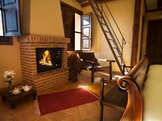 Perfect 11 bedroom Bed and Breakfast in Segovia with Internet Access - Segovia vacation rentals