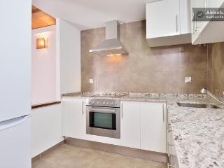 Charming 1 bedroom Apartment in Tarragona with Internet Access - Tarragona vacation rentals
