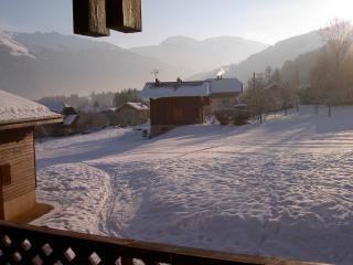 2 bedroom Ski chalet with Internet Access in Morillon - Morillon vacation rentals