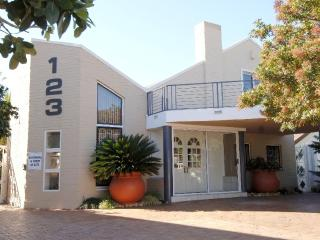 "'Along-the-Bay'  ""Protea"" - Gordon's Bay vacation rentals"