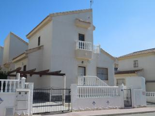 Bright 3 bedroom Villa in Ciudad Quesada with A/C - Ciudad Quesada vacation rentals