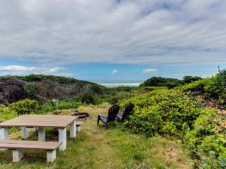 Dog-friendly oceanfront cabin in the trees with gorgeous views - Yachats vacation rentals