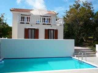 Cozy 2 bedroom Skopelos Cottage with Dishwasher - Skopelos vacation rentals