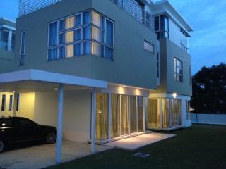 Jewel Residences @ Puchong - Kuala Lumpur vacation rentals