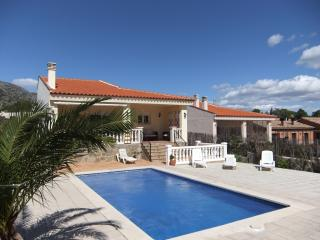 Lovely Villa with Internet Access and Tennis Court - L'Hospitalet de l'Infant vacation rentals