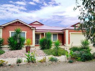 All Seasons' Escape Port Elliot Holiday House - Port Elliot vacation rentals