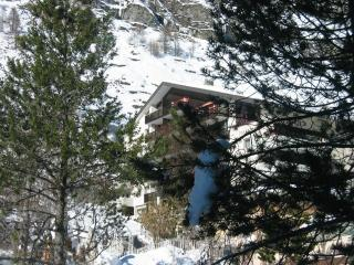 Zayetta 54 - 5th floor - in the heart of Zermatt with uncluttered mountain views - Zermatt vacation rentals